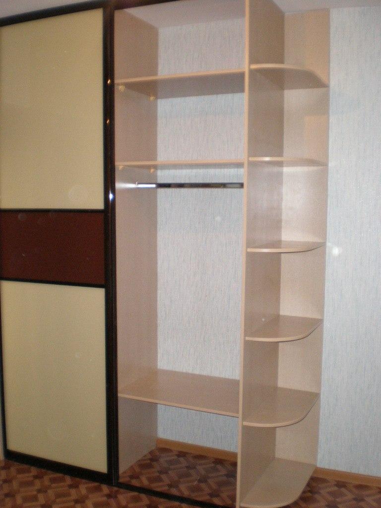 Встроенные шкафы-купе-Шкаф-купе из стекла с Oracal «Модель 119»-фото2
