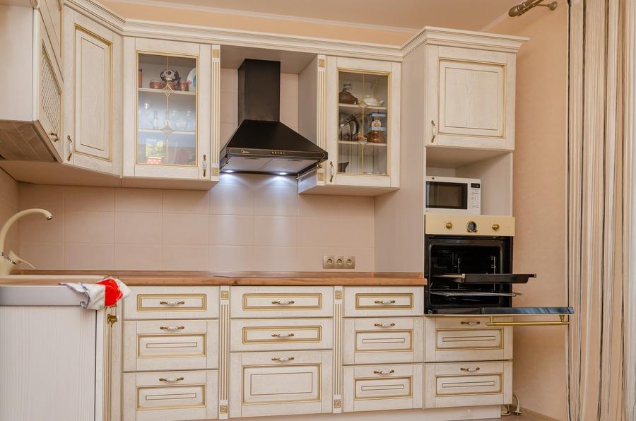 Белый кухонный гарнитур-Кухня из шпона «Модель 4»-фото2