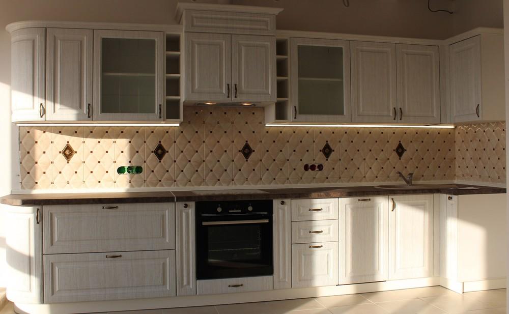 Белый кухонный гарнитур-Кухня МДФ в ПВХ «Модель 292»-фото1