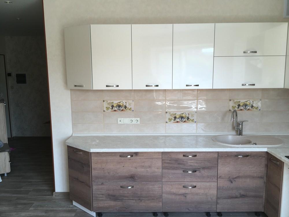 Белый кухонный гарнитур-Кухня МДФ в шпоне «Модель 318»-фото1