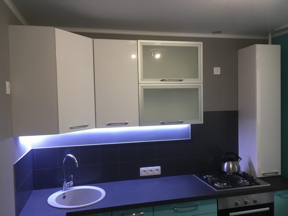 Белый кухонный гарнитур-Кухня МДФ в ПВХ «Модель 320»-фото1