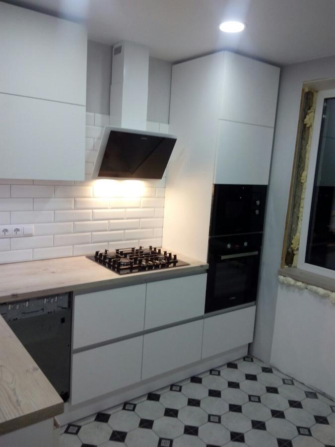 Белый кухонный гарнитур-Кухня из пластика «Модель 198»-фото1