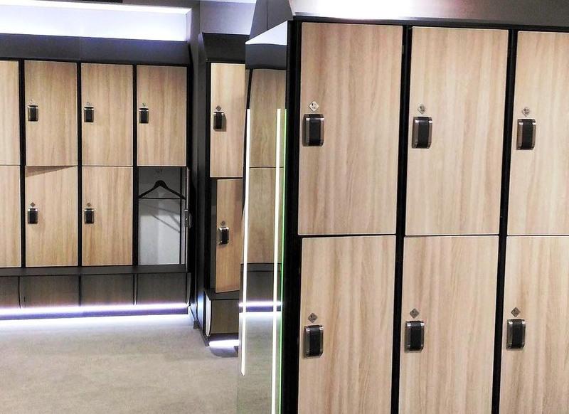 Торговая мебель-Шкафчики для раздевалки «Модель 161»-фото4