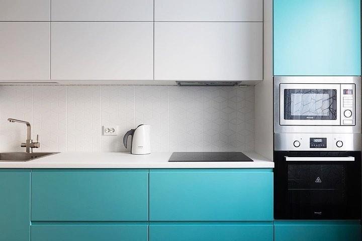 Белый кухонный гарнитур-Кухня МДФ в эмали «Модель 584»-фото3