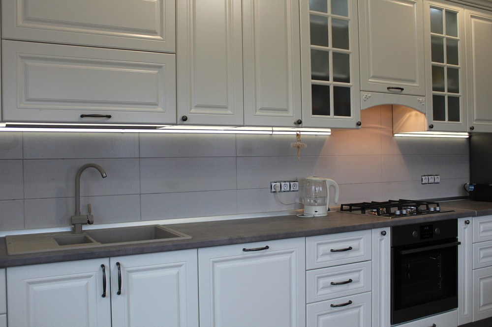 Белый кухонный гарнитур-Кухня МДФ в эмали «Модель 190»-фото1