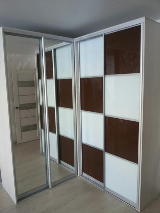 Встроенные шкафы-купе-Шкаф-купе с зеркалом «Модель 62»-фото1